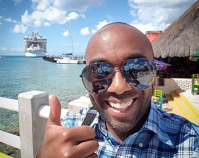 Cozumel selfie!  Cozelfie!  #selfiegram #comedicallylargesunglasses #cozumel #mexico #yucatan #quintanaroo #muycaliente #noreallyitshot